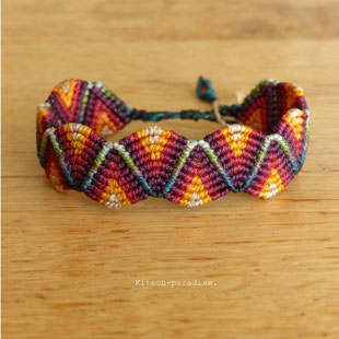 kp Kitsch-paradise artisans créateurs artiste artist créateurfrancais artisanat art bretagne  bijoux macramé micromacramé tissage weaving weavingart bracelet nuance zigzag