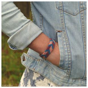 kp Kitsch-paradise artisans créateurs artiste artist créateurfrancais artisanat art bretagne  bijoux macramé micromacramé tissage weaving weavingart bracelet romance