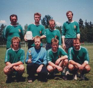 h.v.l. Harald Meckel, Mike Denner, Helge Wagner, Peter Feldmann; v.v.l. André Meckel, Peter Winkler, Sven Denner, Holger Spindler