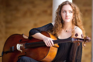 ERICA PICCOTTI violoncello