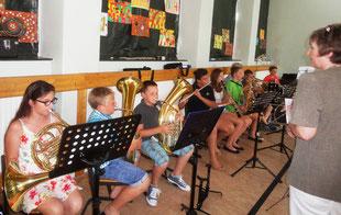 Unsere Instrumentalisten untermalten die Feier