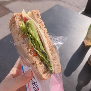 ノルウェーのコンビニのサンドイッチ_ウォリス