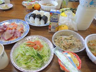 豆腐作りの後は、オカラの総菜などでプチパーティ☆