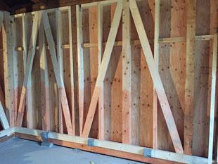 壁の補強工事