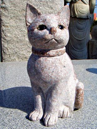 ペットの石像