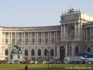 Die Österreichische Nationalbibliothek beherbergt Bücher und Dokumenten Sammlungen seit dem 14. Jahrhundert.