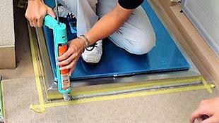 接着及び防水の為にコーキング… 避難ハッチ