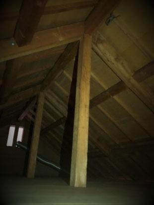 照明器具除去及び電気的絶縁処理 屋根裏