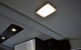 GT-LED室内照明(フロント)