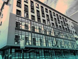 East Londonの中心部に立地するBSA校の建物