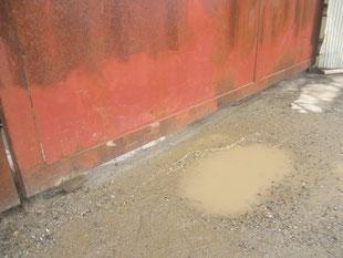 鉄製引戸の戸車交換:工事前