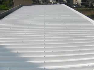 折版屋根遮熱塗装工事:工事後