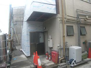 階段踊り場補強鉄骨:工事前