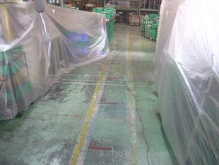 工場内床沈下修正工事:工事前