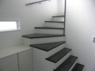 屋内階段スチール手摺:工事前