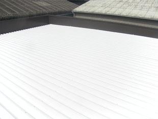 倉庫屋根遮熱塗装工事:工事後