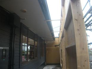 店舗囲い鉄骨補強工事:工事前