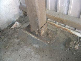 柱脚補修工事:工事前