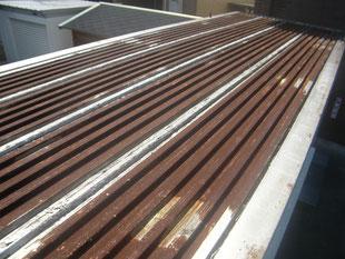 コンテナ屋根防錆塗装:工事前