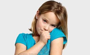 Schädliche Angewohnheiten wie zu langes Daumenlutschen können die Kiefer verformen.