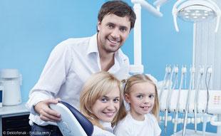 Prophylaxe für Kinder und Jugendliche. Professionelle Zahnreinigung (PZR) für Erwachsene.