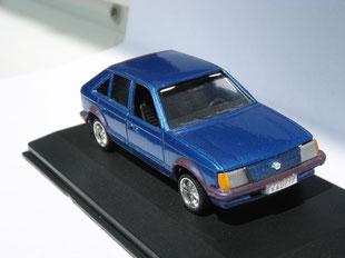 Opel Kadett D blau 1:43