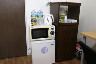 冷蔵庫・電子レンジ・湯沸し器