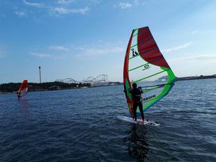 ウインドサーフィン スピードウォール 海の公園 スクール