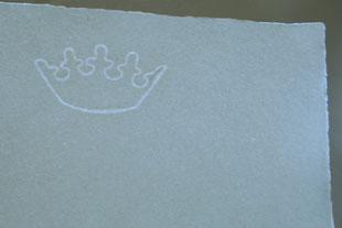 Handgeschöpftes Papier mit Wasserzeichen, Krone