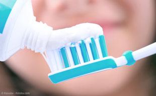 Parodontose-Behandlung bei Zahnfleischentzündungen, Zahnfleischschwund und Zahnlockerung