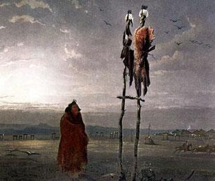 Ein einzelner in ein Bisonfell gehüllter Mandan betet zu den Sonne- und Mondidolen, die aus Fellen, Gras und Zweigen angefertigt sind