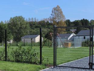Pose de clôture rigide - Entreprise de Parcs et Jardins Laurent Toussaint