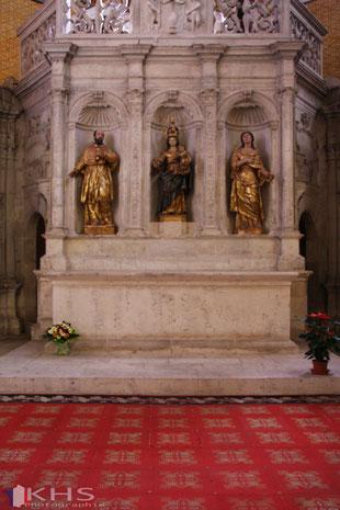 Bild: Der Altar der Klosterkirche Saint-Pierre in Moissac