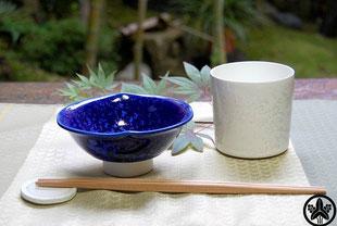 カネヨ陶磁館の陶磁器商品、結晶釉・寿泉窯の食器は美しい結晶模様です。美濃焼