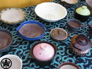 カネヨ陶磁館の簡単・便利・時短なキッチングッズは、波紋櫛目すり鉢、納豆鉢、温やさいポット、一夜漬けセット、エッグベーカー、蒸しボールなど、食材を活かすキッチン用品です。