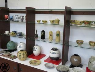 カネヨ陶磁館の陶磁器商品、雅山窯の食器は高品質です。美濃焼