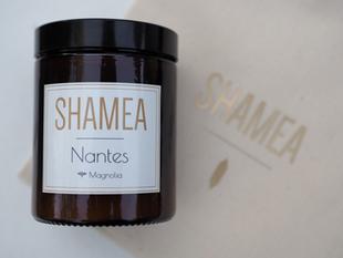 La bougie Nantes au délicat parfum de magnolia.