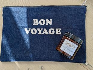 Embarquement immédiat pour une plage paradisiaque avec la bougie au monoï Bora Bora.
