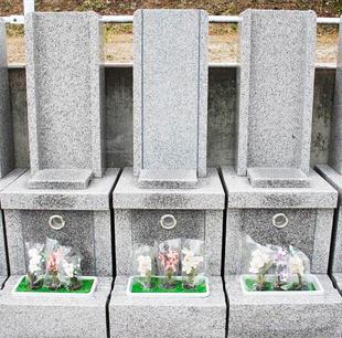 豊かな自然と調和する フラワー墓に心癒される フラワー墓