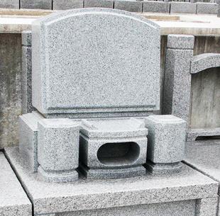 お手入れしやすく、清潔感のある 充実のコンパクト墓