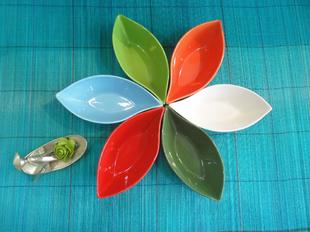 船の形をモチーフにした小皿