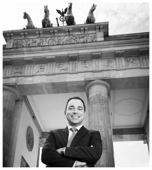 Sebastian Schmidt-Kaehler am Brandenburger Tor