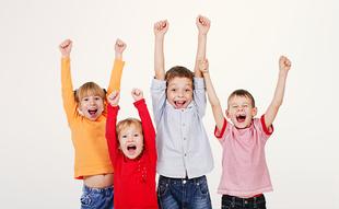 Regelmäßige Prophylaxe beim Zahnarzt für gesunde Kinderzähne