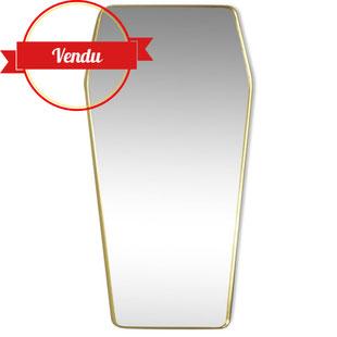 miroir vintage,miroir scandinave,miroir cadre laiton,miroir cadre doré,miroir or,miroir diamant,miroir cercueil,trés grand,vintage,majdeltier,rétro,1950,1960,laiton massif,forme originale