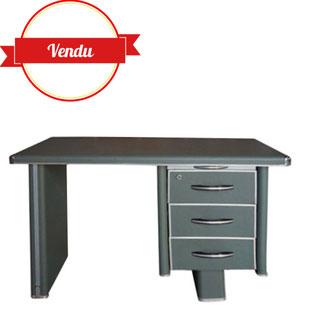 bureau industriel,bureau metal,métal,tole,chromé,vert,gris,kaki,indus,industriel,décoration industrielle,bureau solide en métal