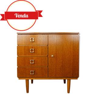 petit buffet scandinave,meuble scandinave,meuble tiroirs,teck,serrure,majdeltier,meuble vintage en ligne,boutique,lille