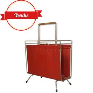 porte revues vintage des années 50,porte revues fil,porte journaux,simili cuir rouge,majdeltier