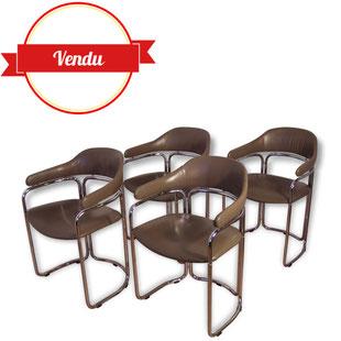 chaises 1970,vintage,design,tonneau,chrome,chromé,simili cuir,taupe,marron,conférence,saarinen,fauteuil,arrondi,courbé,breuer,aulenti,confortable,1960,1970,1980,brocante