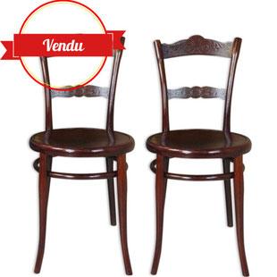 paire de chaises thonet,chaise bois courbé,chaise bistrot,chaise assise décorée,chaise sculptée,bois,design,antiquité,majdeltier