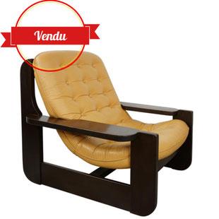 fauteuil traineau,baumann,cuir naturel,cuir clair,cuir capitonné,fauteuil hamac,suspendu,design 1970,chêne ,cuir et bois,design et vintage,modèle rare,majdeltier,lille